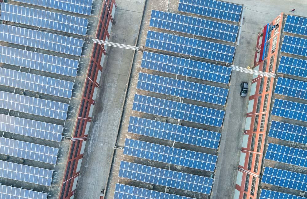 Dach-Photovoltaik ist die klassische Lösung zur Erzeugung sauberer Energie